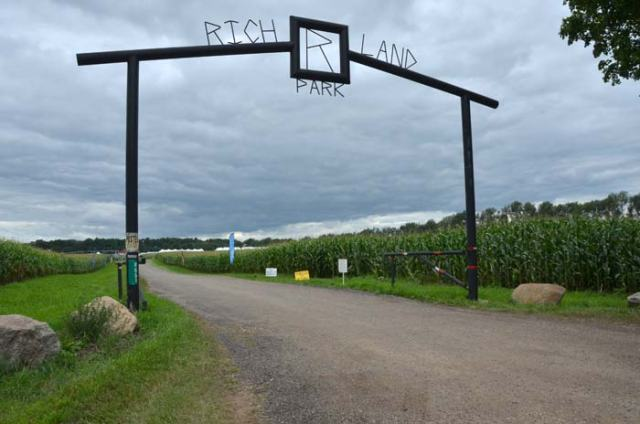 Entrance gate at Richland Park. All those white tents in the background are portable stalls for the 500 or so horses competing.